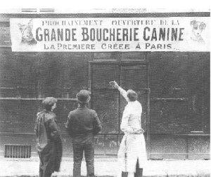 Hundköttsbutik i Frankrike år 1910 - fyra år innan 1:a Världskriget började.