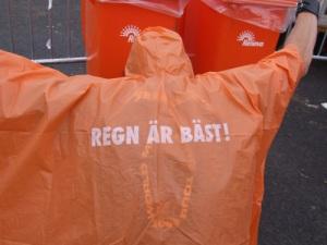 Visst älskar vi att gå ut med våra älsklingar oavsett väder?! / Foto Victoria Qvarnström, MetalTown 2011