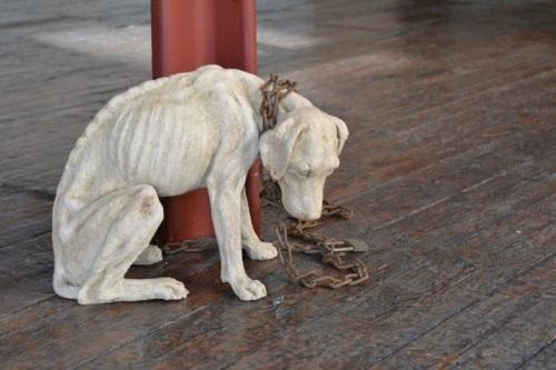 """""""Övergiven hund"""" Skulptur av Tanya Russell"""